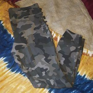 Mossimo Camo Leggings